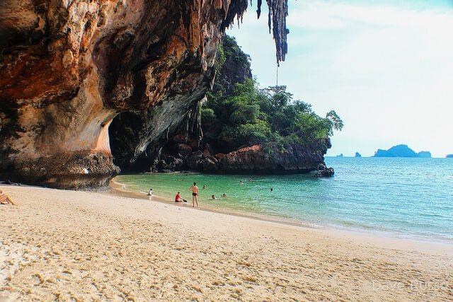 Resultado de imagen para Playa Railay en Tailandia.