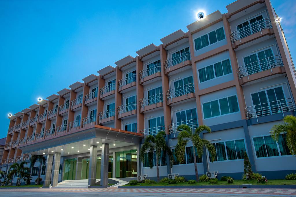 O2 Hotel Lopburi Tailandia